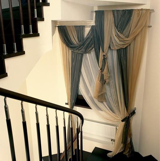 Дизайн штор для лестничного проема