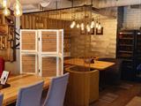 Металлические шторы для зонирования кафе