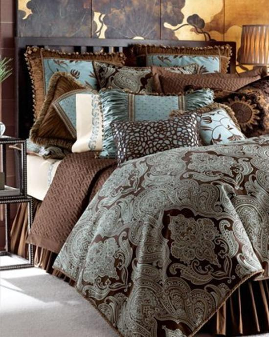 Фото подушки в интерьере спальни фото