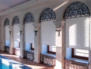 Влагостойкие шторы для бассейнов и фитнес-центров.