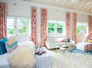 Простые или прямые шторы на тесьме